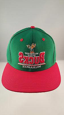 MILWAUKEE BUCKS GREEN/RED 3D NAME FLAT VISOR STRUCTURED ADJU