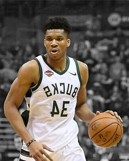 Milwaukee Bucks GIANNIA ANTETOKOUNMPO Glossy 8x10 Photo Spot